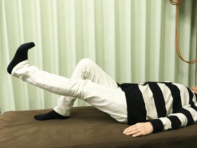 膝体操 SLR抵抗運動2