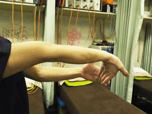 テニス肘 内側ストレッチ