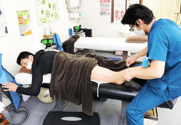 WBA世界ミドル級チャンピオン村田諒太選手に筋膜リリース(グラストンテクニック)